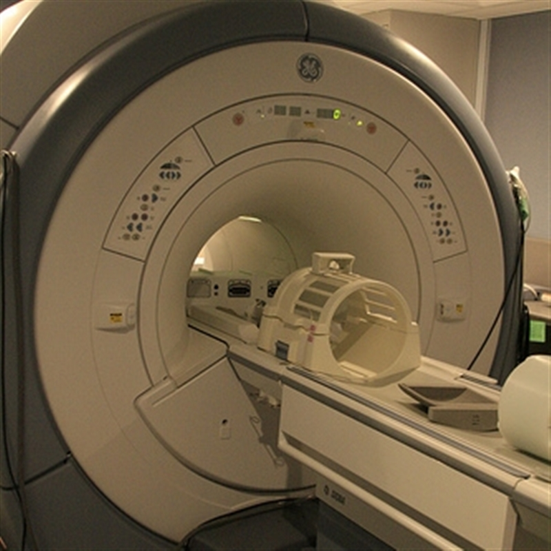 show me a picture of an mri machine